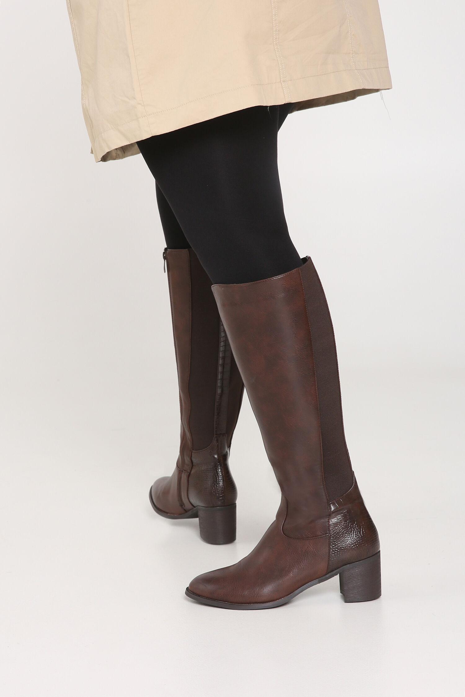 Schoenen brede schacht voor dames paprika